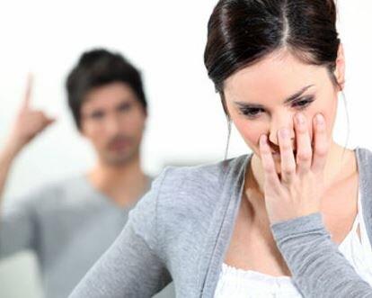 Почему мужчина постоянно критикует свою женщину