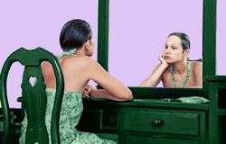 Низкая самооценка женщины выгодна мужчинам